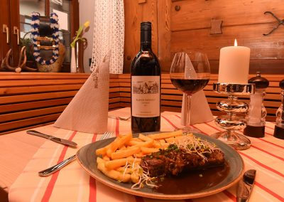 Steak mit Pommes  | Restaurant Wilde Männle in Oberstdorf